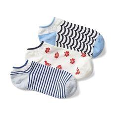 Gap Women Mix Print Ankle Socks 3 Pairs ($16) ❤ liked on Polyvore featuring intimates, hosiery, socks, brilliant blue, regular, gap socks, patterned hosiery, tennis socks, print socks and short socks