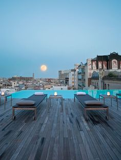 Les plus beaux rooftops du monde - The Sky Bar - Barcelone