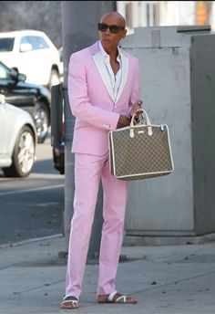 RuPaul. suave Best Drag Queens, Rupaul Drag Queen, Adore Delano, Club Kids, Killer Queen, Winona Ryder, Latest Mens Fashion, Everything Pink, Pink Love