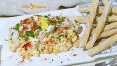 Ensaladilla de Merluza y Gambas con Huevo Chicken, Food, Cockles, Clams, Potatoes, Appetizers, Cooking Recipes, Essen, Meals