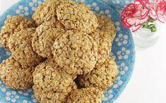 Ciastka owsiane ze słonecznikiem Dog Food Recipes, Healthy Recipes, Pina Colada, Coconut Flour, Deserts, Food And Drink, Sweets, Cookies, Baking