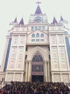 Zhejiang TSPM church faces forced demolition for refusing to remove cross; thousands of Christians stand guard ~ CHINAaid