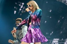 Taylor Swift Web Photo Gallery: Click image to close this window Taylor Swift Gallery, Taylor Swift Web, Taylor Swift Pictures, The 1989 World Tour, 1989 Tour, Actress Photos, Red Carpet, Photo Galleries, Sequin Skirt