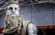 Fallas 2014: Así se levanta el Moisés más grande del mundo