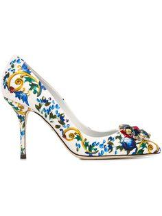 DOLCE & GABBANA Embellished Majolica Print Pumps. #dolcegabbana #shoes #pumps