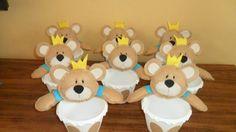 Lembrancinhas de Ursinhos no Balde para Centro de Mesa com Tema Ursinho Rei