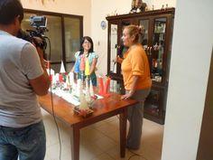 Fuimos visitados por la señora Elizabeth Diaz de Suarez del Programa Casas y Cosas y Vivir con Salud! Velas en Navidad de Creaciones Anykar!