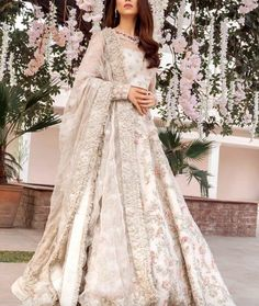 Ideas For Wedding Dresses Pakistani Party Wear Bridal Lehenga Wedding Robe, Indian Wedding Gowns, Pakistani Wedding Outfits, Indian Bridal Outfits, Pakistani Bridal Dresses, Pakistani Wedding Dresses, Asian Bridal Dresses, Ivory Wedding, Walima Dress