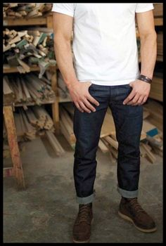blue jeans and white t-shirts. Kills me everytime my man dresses like this. Stylish Men, Men Casual, Look Fashion, Mens Fashion, Why Do Men, Red Wing Boots, Mens Style Guide, Raw Denim, White T