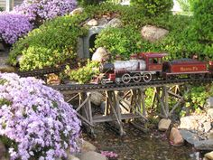 Garden railroad. :) Garden Art, Garden Design, Garden Railings, Garden Railroad, Model Train Layouts, Model Trains, Amazing Gardens, Garden Inspiration, Shade Garden