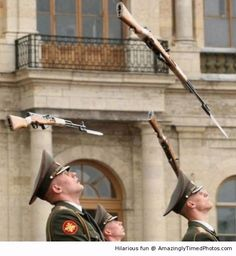 It is raining guns | Amazingly Timed Photos