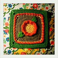 Pretty Posey Flower Square pattern by Amelia Beebe