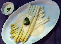 Biela špargľa s domácou holandskou omáčkou – Recepis. Asparagus, Ale, Vegetables, Cooking, Food, Kitchen, Studs, Ale Beer, Essen