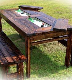 Wooden Pallet Furniture outdoor farmhouse table with built in drink cooler! - Fully-finished oak and pine table with removable slats, ice buckets, and options of one or a pair of matching benches Outdoor Farmhouse Table, Diy Outdoor Table, Rustic Outdoor, Patio Table, Diy Patio, Outdoor Decor, Outdoor Pallet, Rustic Wood, Diy Picnic Table