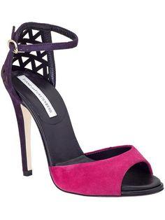 Pin for Later: Vous êtes plutôt sandales, escarpins ou bottines ?  Diane von Furstenberg Rowan Suede Sandals (143,93 € au lieu de 287,86 €)