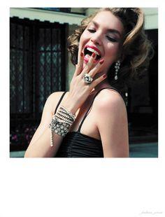 Sumptuous jewels, Arizona Muse: Vogue Paris October '11