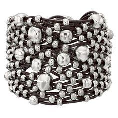 Tif Taf #unode50 #joyas #pulsera  Puedes ver más cositas en nuestro Facebook: www.facebook.com/JoyeriaJJ Metal Beads, Official Store, Bracelet Making, Nordstrom Rack, Jewelry Bracelets, Women Jewelry, Silver Plate, Diving, Brown Leather