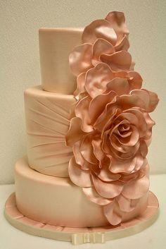 Antiqued Petals Wedding Cake