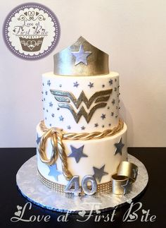 Wonder Woman Cake 40th Birthday Party Ideas For Women, Birthday Cupcakes For Women, Grandma Birthday Cakes, 40th Bday Ideas, 35th Birthday, 40th Birthday Parties, 30 Birthday Cake, Wonder Woman Birthday Cake, Wonder Woman Cake