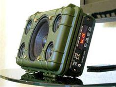 DIY Tough Bluetooth Boombox (Lasts – Jacob Sheridan – technologie Diy Bluetooth Speaker, Diy Speakers, Bluetooth Gadgets, Portable Speakers, Diy Tech, Cool Tech, Diy Electronics, Electronics Projects, Tech Gadgets