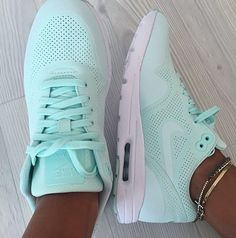 Nike Free Runs For Women Black Friday Sale $39, Buy Cheap Nike Free Shoes For This Site, High Quality And Fast Delivery Here. #NikeFreeRuns