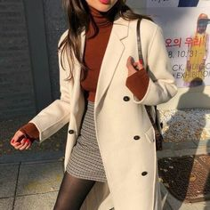 Winter Fashion Outfits, Fall Winter Outfits, Look Fashion, Sexy Fashion Style, Female Fashion, Fashion Black, 70s Fashion, Skirt Fashion, Fashion Clothes