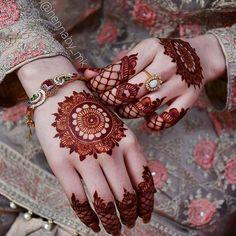 #mehndi #urdu #urduquotes #quotes #poetry #instagram #urdu #pinterest #pakistan #multan #lahore #karachi #islamabad #poetry #quotes #free #dress #design #christmas #fashion Round Mehndi Design, Basic Mehndi Designs, Floral Henna Designs, Stylish Mehndi Designs, Mehndi Designs For Beginners, Mehndi Designs For Girls, Mehndi Design Photos, Mehndi Designs For Fingers, Dulhan Mehndi Designs