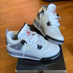 Shop Kids' Jordan White Gray size Various Sneakers at a discounted price at Poshmark. Description: Jordan cement in very good condition, price is negotiable, open to all offers. Jordan Shoes Girls, Jordans Girls, Air Jordan Shoes, Michael Jordan Shoes, Air Jordans, Zapatillas Nike Basketball, Zapatillas Jordan Retro, White Nike Shoes, Nike Air Shoes