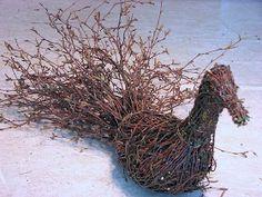 oksan Willow Garden, Diy Cans, Sculpture, Garden Ornaments, Christmas Art, Grapevine Wreath, Pet Birds, Wood Art, Diy And Crafts