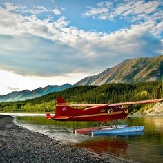 Post with 93 views. I need to expand my collection, let's see the best of your SFW aviation porn collection. Here is one of my favorites. Bush Pilot, Pilot Wife, Bush Plane, Float Plane, Flying Boat, Travel Deals, Budget Travel, Air Travel, Humor