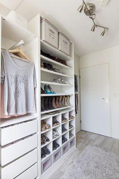 PAX systeem KOMPLEMENT inzet | #IKEA #LangLeveVerandering #IKEAnl #emptynest #walkincloset #garderobe #schoenenkast #kledingkast