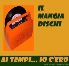 il mangiadischi Record Players, Vintage Records, We Are Young, Poster Vintage, The Good Old Days, Vintage Advertisements, Industrial Design, Old School, Advertising