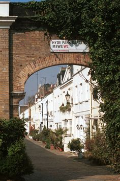 Hyde Park Gardens Mews - right behind the chapel where I worked for 9 months