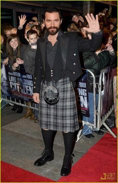 Richard Armitage in A KILT!!!!!!