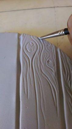 How To Make Woodgrain On Fondant (Grey/ White Wash Grain) (cake decorating frosting tutorials) Fondant Tips, Fondant Icing, Fondant Tutorial, Fondant Cakes, Cupcake Cakes, Fondant Recipes, Fondant Toppers, Mini Cakes, Cake Recipes