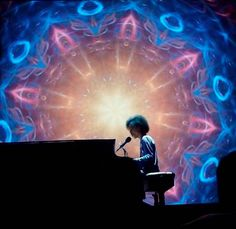 "#Prince#Piano&AMicrophone Tour | Prince Covered David Bowie's ""Heroes"" in…"