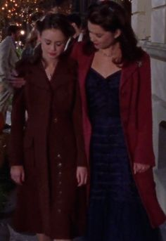 Current obsession: Rory gilmore's red trench coat.