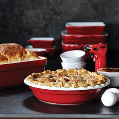 Most pie dishes are way too small and your pie ends up bursting out of the dish! A pie dish that's big enough to put all the filling that you could ever want is so important! Check out our Remy Olivier Elite Pie Dish. Cooking Tools, Bakeware, The Dish, Dishes, Four, Baking, Motifs, Breakfast, Cookware