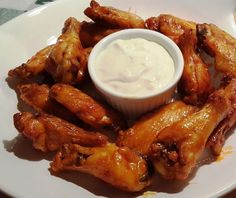 Better Than Hot Wings Café Air Fryer Buffalo Chicken Wings via @thisoldgalcooks