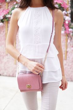 3 things to pay attention to when choosing your outfit for a day date! Ultimate outfit for any day date. Marie's Bazaar shows how to style these pieces and why they are perfect for a day date - no matter what you have planned! #fashion #outfit #date #daydate #skinnyjeans #ruffles #whitetop #crossbody #lechateau #giginewyork Marie Ernst
