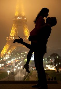 Love in Paris . to share a walk on the streets of Paris and kiss within view of the Eiffel tower . a dream moment of Romance! Paris 3, Paris City, Paris Night, Paris Love, Paris Ville, Hopeless Romantic, I Smile, Belle Photo, The Places Youll Go