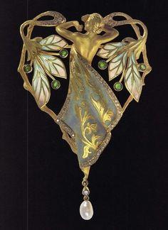Lluís Masriera Art Nouveau gold, enamel, and diamond brooch. Bijoux Art Nouveau, Art Nouveau Jewelry, Jewelry Art, Antique Jewelry, Vintage Jewelry, Gold Jewelry, Sapphire Jewelry, Jewellery Box, Jewlery
