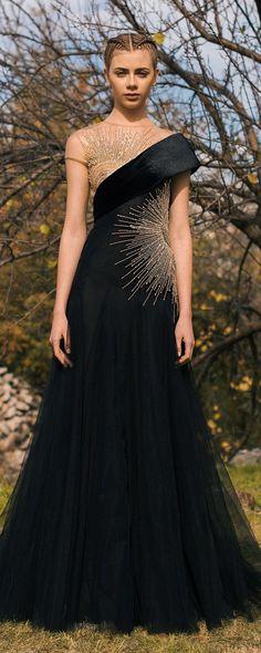 Georges Hobeika Pre-Fall 2018 – Ready-to-Wear – www.c… Georges Hobeika Pre-Fall 2018 – Ready-to-Wear – www. Trendy Dresses, Elegant Dresses, Nice Dresses, Casual Dresses, Fashion Dresses, Formal Dresses, Women's Casual, Ankara Fashion, Formal Wear