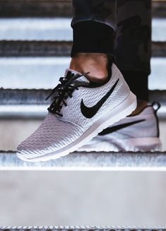 NIke Roshe Run NM Flyknit: White