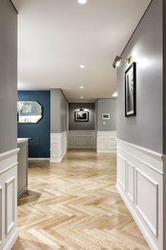 Stylish Living Room Decor Ideas: Update Your Living Room Design Hallway Decorating, Interior Decorating, Decorating Ideas, Decor Ideas, Neoclassical Interior, Interior Styling, Interior Design, Classic Interior, Wainscoting