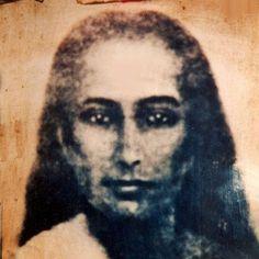 Mahavatar Babaji ist Sri Swami Vishwanandas Meister und der Paramguru von Bhakti Marga. Er ist ein großer und unsterblicher Yogi aus dem Himalaya und die Quelle von Atma Kriya Yoga. Durch die Jahrhunderte hat Mahavatar Babaji der Welt verschiedene Yoga Techniken und -lehren gegeben, jede den Bedür…