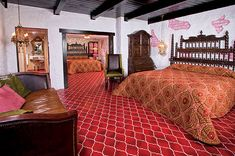 España | The 25 Madonna Inn Rooms You Have To Stay In Before You Die