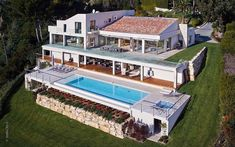 Villa Chamade is a minimalist and contemporary estate situated just a few minutes away from the center of Cannes, France and the prestigious...