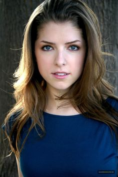 Without the headband, looks like Anna Kendrick's awesome hair do from pitch perfect!