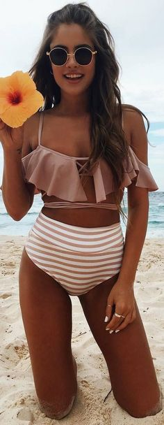 Vacation Swimsuits and Beachwear for women. Womens Affordable bikinis, swim suit cover ups. Summer bikini and beach outfit ideas. Bikini Outfits, Legging Outfits, Trendy Bikinis, Summer Bikinis, Summer Beach, Michelle Lewin, Hot Summer Outfits, Beach Outfits, Summer Clothes